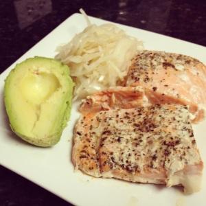 Salmon, Avo, Sauerkraut